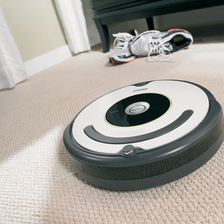 Robot de aspirare iRobot Roomba 621, Filtru din Microfibre, Sistem Wall Follow, Argintiu