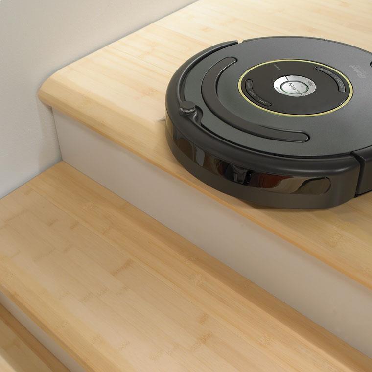 Robot de aspirare iRobot Roomba 651, 1 l, Filtru AeroVac din microfibre, Programare curatare, Perete virtual, Baterie X-Life, Negru